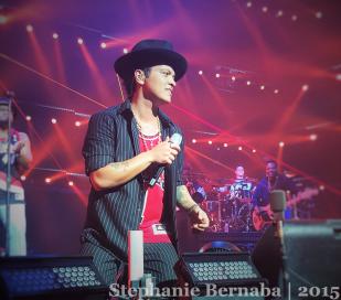 Bruno Mars & His Hooligans, NYE 2016, Las Vegas